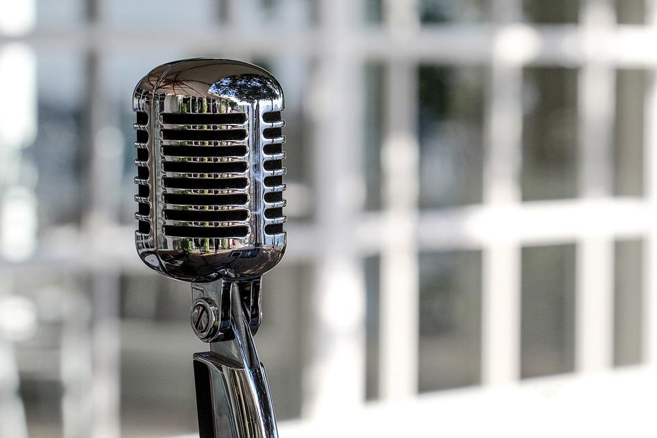 microphone-5340340_960_720